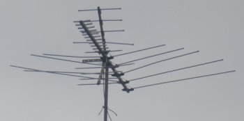 Rooftop television antenna